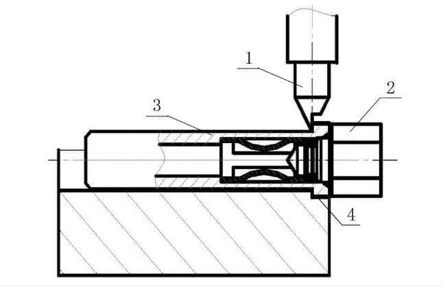 图3-冠簧插孔的收口装置结构图